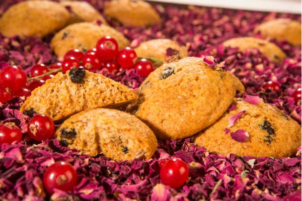 Biscuiţi vegani cu coacăze şi trandafir Hiper Ambrozia 150 g